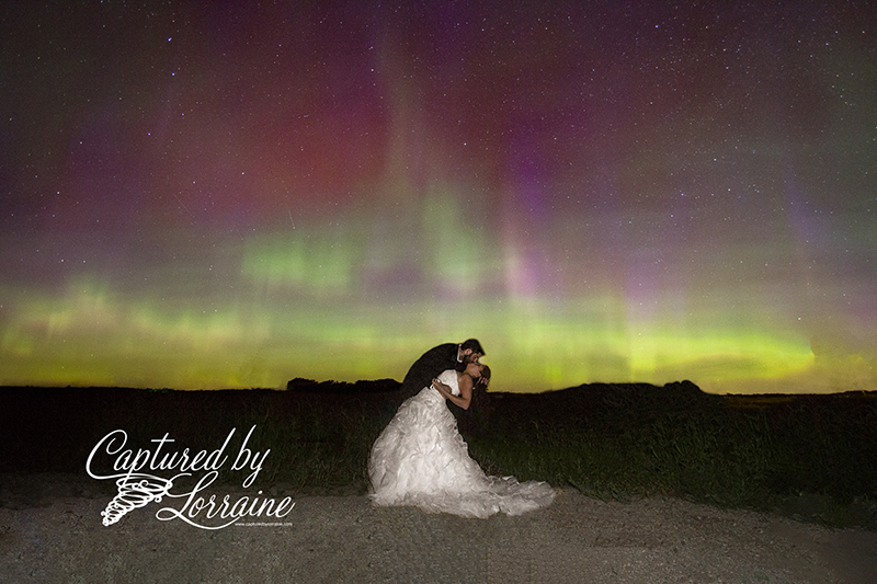 northern-lights-wedding-photo